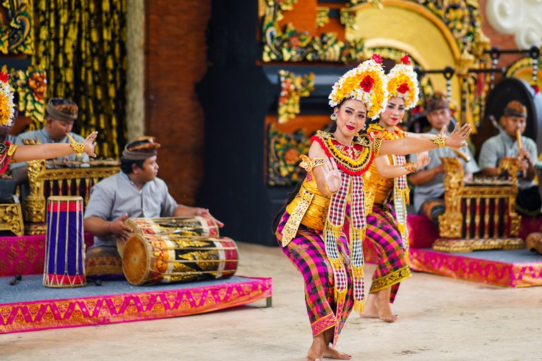 Two girls dancing during the Balinese dance show